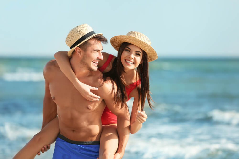 A photo of a couple enjoying a romantic getaway at one of the top historic Key West inns.